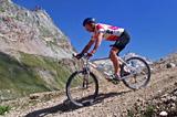 Downhill auf dem Mountainbike